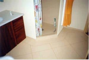 Toilet med vinylgulv